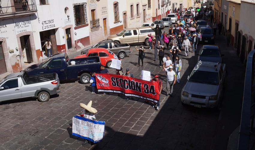La manifestación por las principales calles del centro histórico de Zacatecas