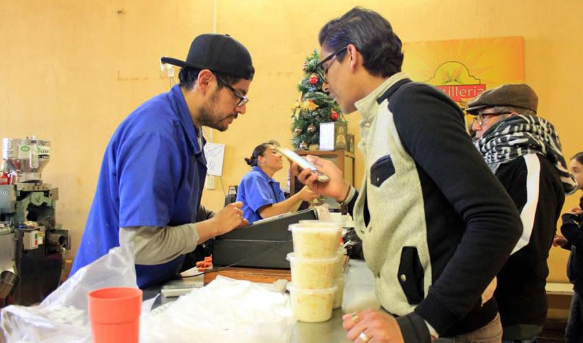 """Juan José Trejo González: """"En tortillerías donde además de maíz natural utilizan Maseca, ya aumentaron el precio"""" (Foto Rocío Castro Alvarado)"""
