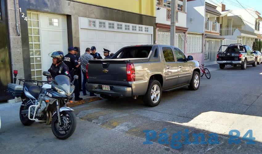 Los cacos sorprendieron al dueño del domicilio cuando se disponía a abordar su vehículo Chevrolet Avalanche