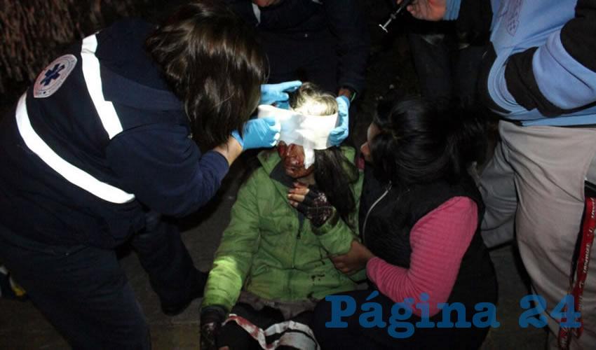 Fuerte golpe en la cabeza sufrió la recolectora de basura, María Guadalupe Díaz Montoya