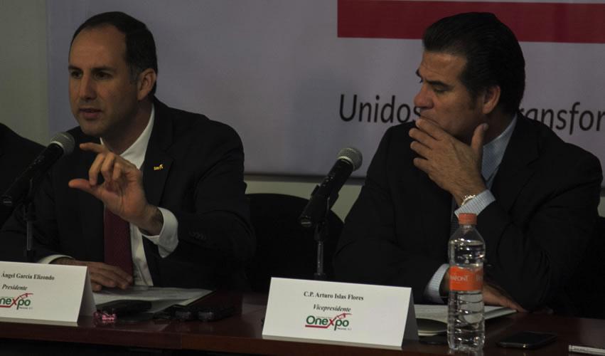 Ciudad de México.- José Ángel García Elizondo y Arturo Islas Flores, presidente y vicepresidente de Onexpo, respectivamente, durante conferencia de prensa (Foto: Galo Cañas/ Cuartoscuro)
