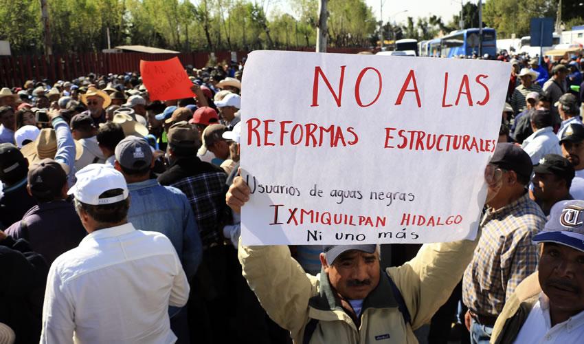 """La PF ubica entre los principales """"promotores de actividades en contra del gasolinazo"""" a Andrés Manuel López Obrador (Foto: Especial)"""