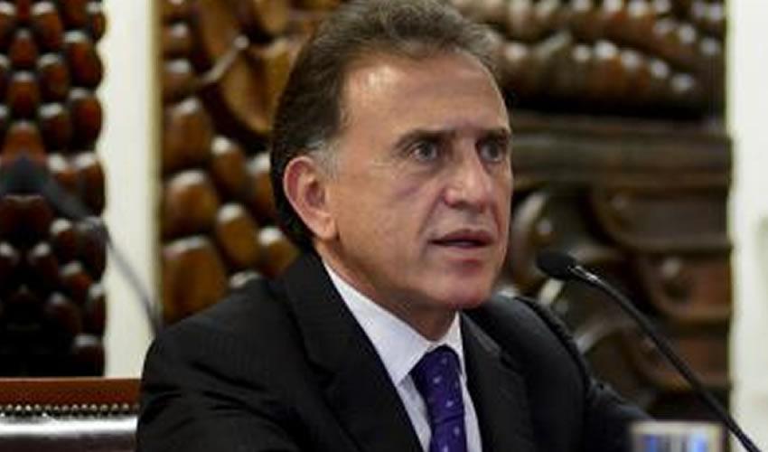"""Yunes: En el Gobierno de Duarte Aplicaron  """"Quimioterapias Falsas"""" a Niños con Cáncer"""
