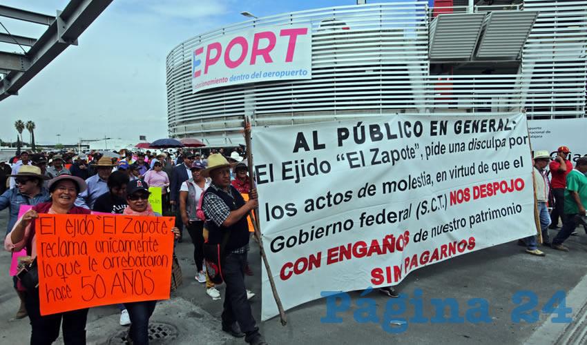 ¡Protestan Afuera del Aeropuerto de Guadalajara!