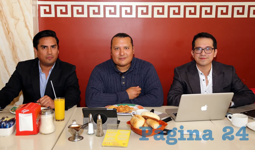 """Rueda de prensa del movimiento TEDx en Aguascalientes y la asociación """"Creemos en lo que hacemos"""" (Foto: Eddylberto Luévano Santillán)"""