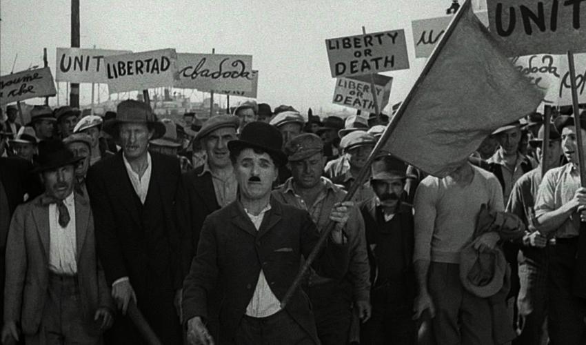 """Más de 80 Años Después, aún Corren """"Tiempos Modernos"""""""
