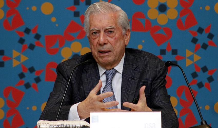 Vargas Llosa Llama a Defender el  Español Ante Embates de Trump