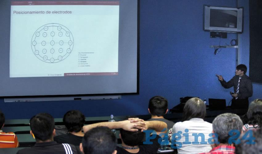 Investigador del CIMAT impartió conferencia en la UAA sobre técnicas y retos principales a los que se enfrenta la ciencia para el entendimiento de la actividad cerebral