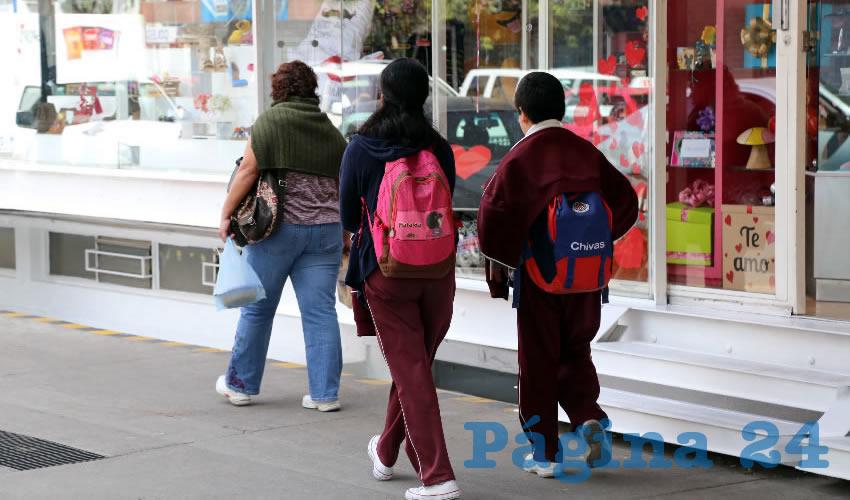 El beneficio es para víctimas que cursan desde el preescolar hasta nivel superior (Foto: Eddylberto Luévano Santillán)
