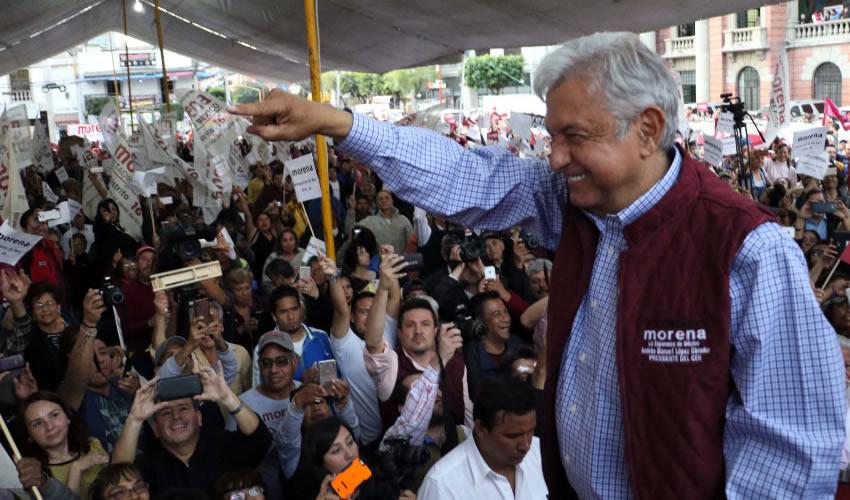 Tlalnepantla de Baz, Estado de México.- Andrés Manuel López Obrador, líder del Movimiento de Regeneración Nacional (Foto: Saúl López /Cuartoscuro)