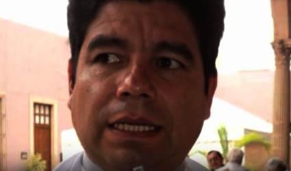 ¡Sacerdote Mexicano Embaraza a Niña!