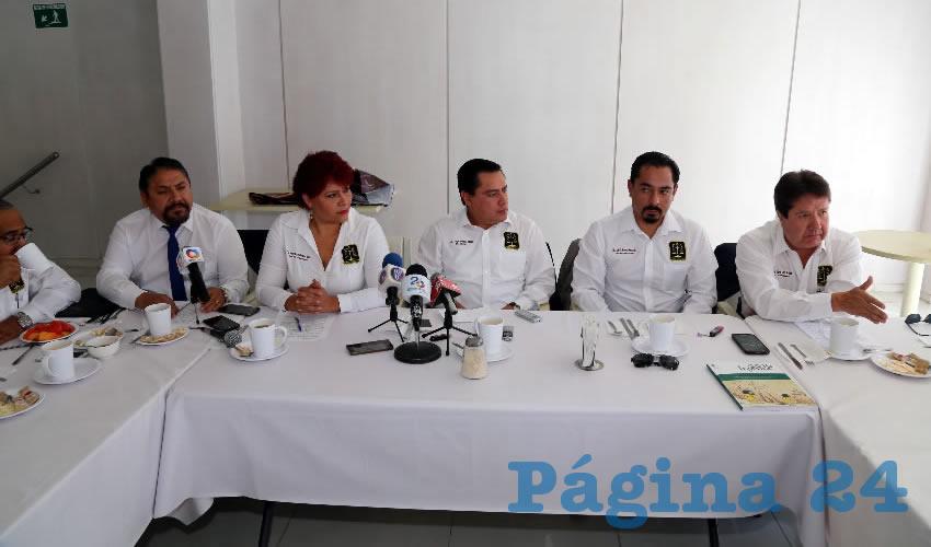 Conferencia de prensa del Consejo de Abogados de Aguascalientes (Foto: Eddylberto Luévano Santillán)