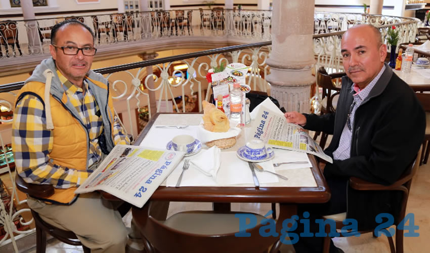 En Sanborns Francia almorzaron Alejandro Zentella Cortes y Pablo González Varela