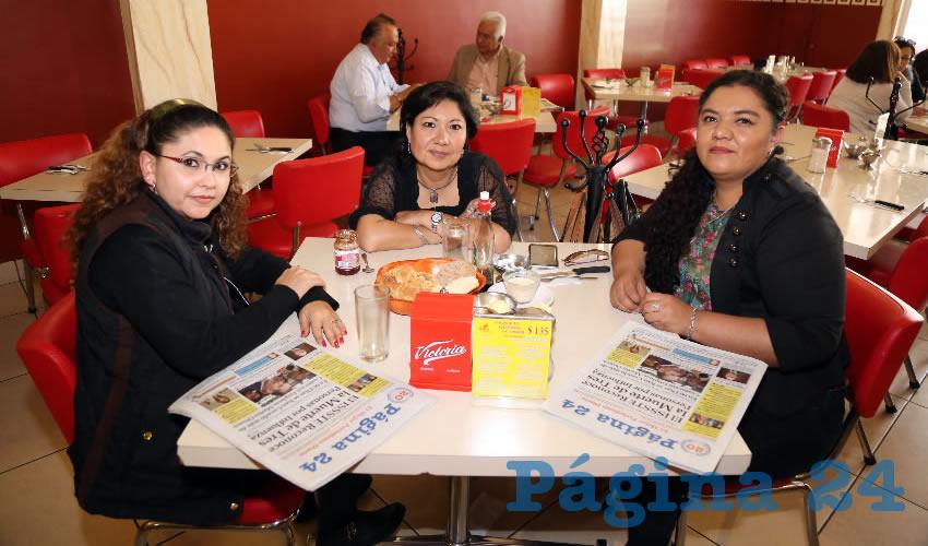 Maritza Carrillo Galindo, Norma Angélica Mejía Tapia y Jazmín González Ruiz desayunaron en el restaurante Mitla