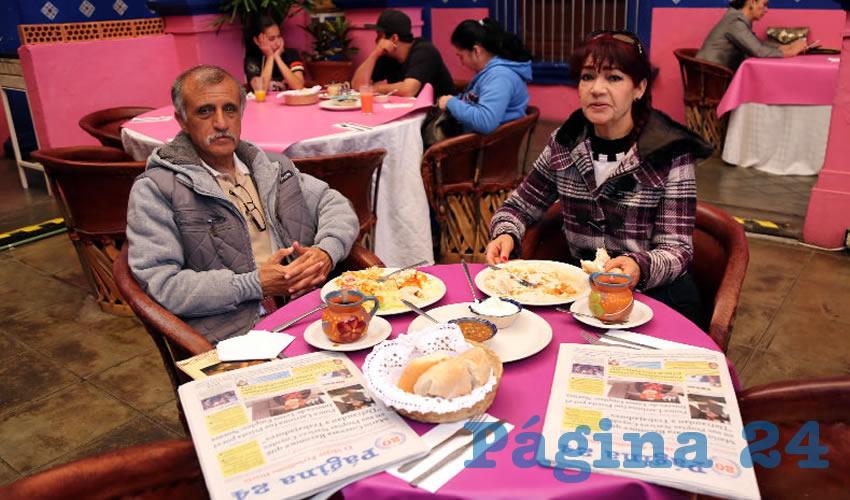 En el restaurante La Saturnina compartieron el pan y la sal Rogelio Aguilera Serna e Irene Martínez Vázquez