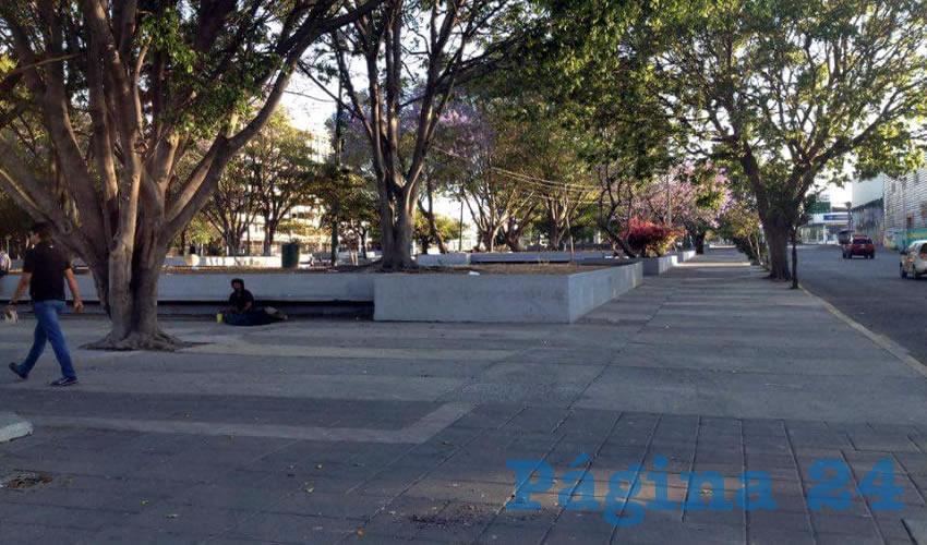 Aunque hay un módulo de la policía tapatía instalado en la Plaza Juárez, en estas olvidadas calles del centro tapatío, éste se encuentra inactivo, por lo que no sirve de nada a los vecinos, quienes padecen el azote de rateros a persona y de autopartes/Foto: Rafael Hernández Guízar