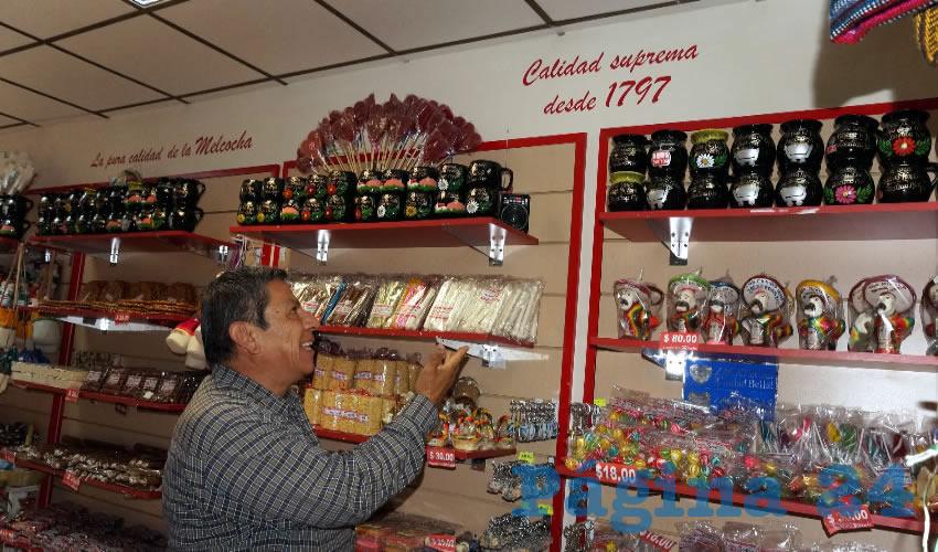 La familia Baltazar, es una de las pocas que aún se conservan realizando los dulces artesanales de Zacatecas, conocidos como melcochas, después de 220 años de tradición en esta familia. (Foto: Cortesía)