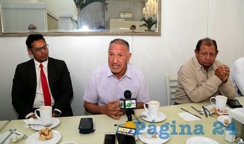 Rueda de prensa de la Asociación Libre de Abogados y Postulantes de Aguascalientes (Foto: Eddylberto Luévano Santillán)