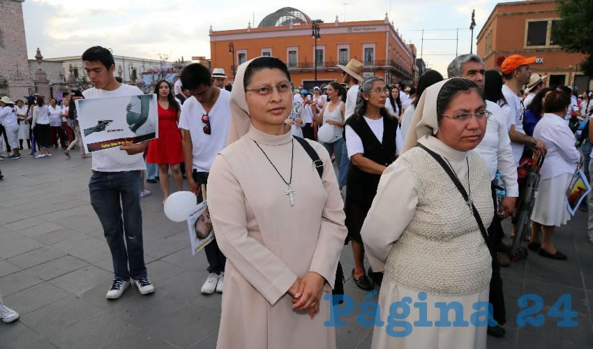 """Católicos y Grupos Conservadores Realizaron la """"Caminata por la Vida"""" en Contra del Aborto"""