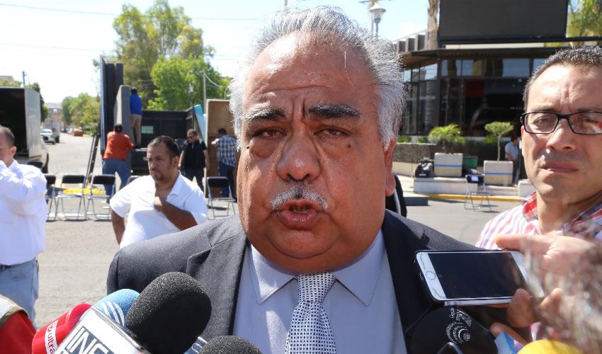 Armando Roque Cruz ...se le salieron de control...