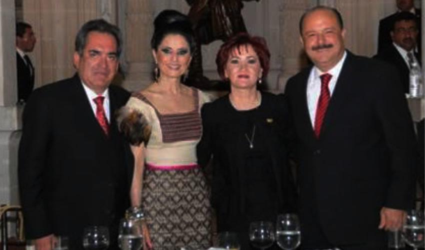 Carlos Lozano de la Torre, César Duarte Jáquez y esposas ...aquellos tiempos felices de inmenso poder...