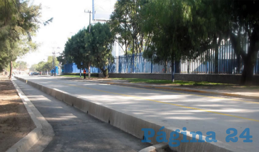 En la Zona Metropolitana de Guadalajara existe una variedad de ciclovías, las cuales no comparten criterios, lo que en muchos casos dificulta la movilidad de usuarios, automovilistas y peatones. Urge tener lineamientos comunes para este tipo de infraestructura, sea estatal o municipal/Foto: Archivo Página 24