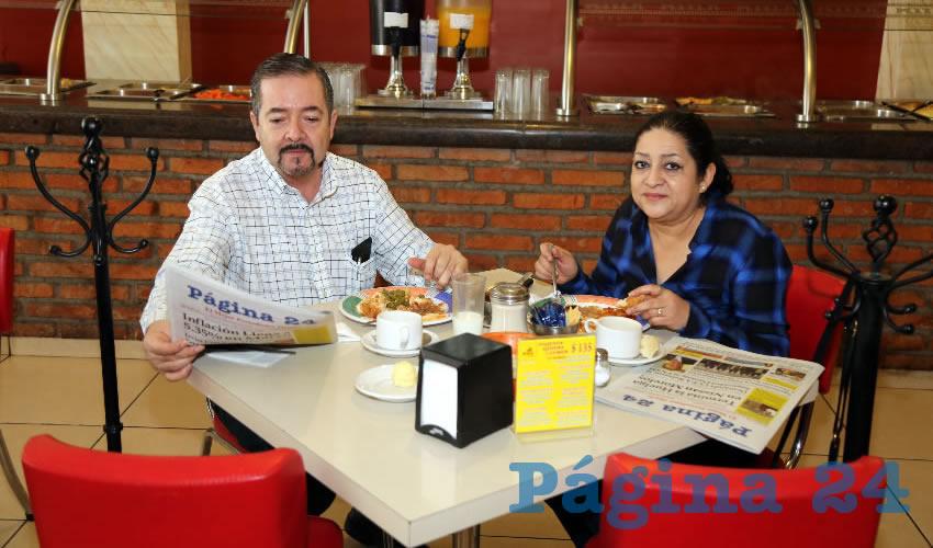 En el restaurante Mitla almorzaron Roberto Ávila Valadez y Alicia Rodarte Contreras