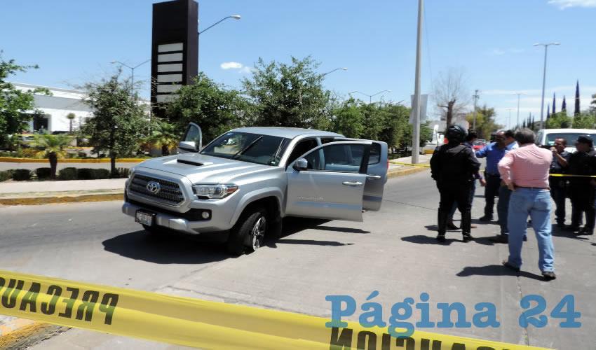 En la camioneta de la víctima intentaron escapar los maleantes
