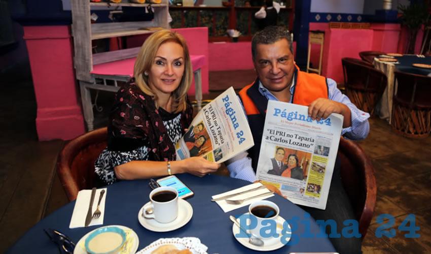 En La Saturnina compartieron el pan y la sal Patricia Valencia y Víctor Valencia, que nos visitan de Chihuahua