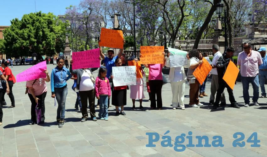 Integrantes de la asociación Prodefensa del Patrimonio Cultural de Jesús María se manifestaron frente a Palacio de Gobierno