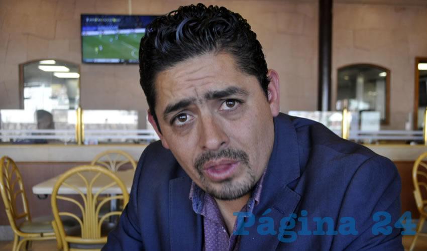 """Alejandro Javier Castillo Reyes, profesor de secundaria: """"Resulta que recibo una llamada y me dice mi señora que nos acaban de robar la casa"""" (Foto: Alberto Núñez Hernández)"""