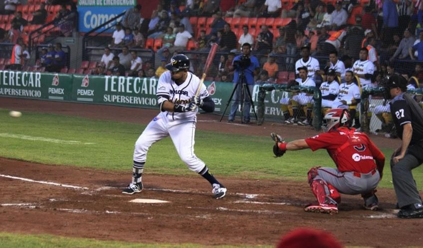 Rieleros Vence a los Piratas de Campeche 6-3