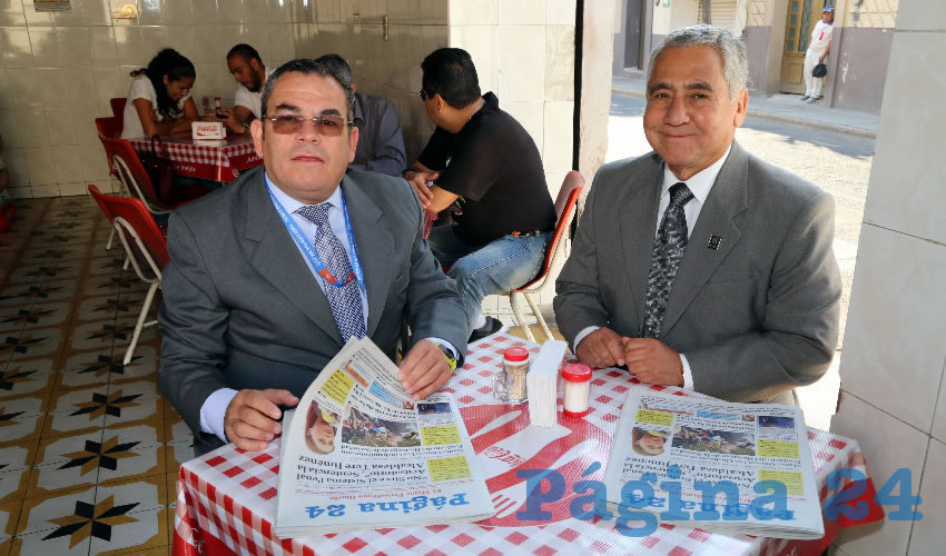"""En Lonchería """"El Mono"""" almorzaron Ismael Cornejo Macías, director de vinculación del ICTEA; y Jesús Martínez González, director general del ICTEA"""