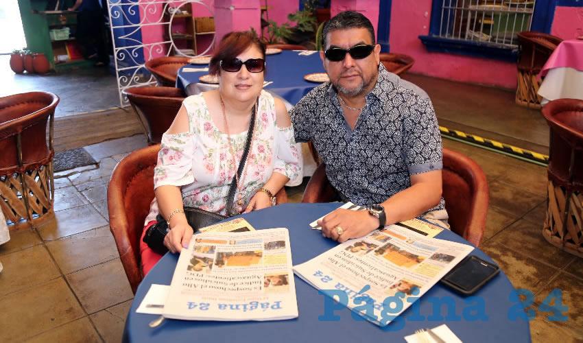 En el restaurante La Saturnina desayunaron Mónica Orozco Gálvez y Saúl Escobedo García