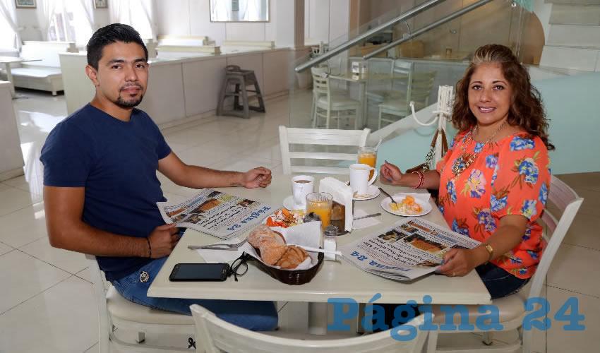 En el restaurante Del Centro compartieron el primer alimento del día Sergio Rodríguez Barajas y Griselda Barajas López