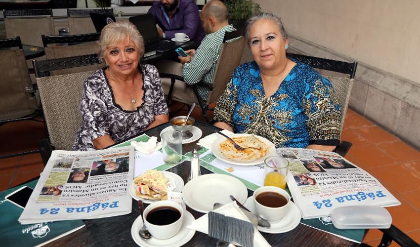 En el restaurante del Hotel Quality Inn compartieron el pan y la sal Silvia Amelia Gómez Sierra y Leticia Romo Medina