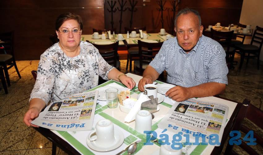 En el restaurante Quality Inn almorzaron Rosalinda Zamora García y Teófilo Nuncio Garza, que nos visitan de Saltillo