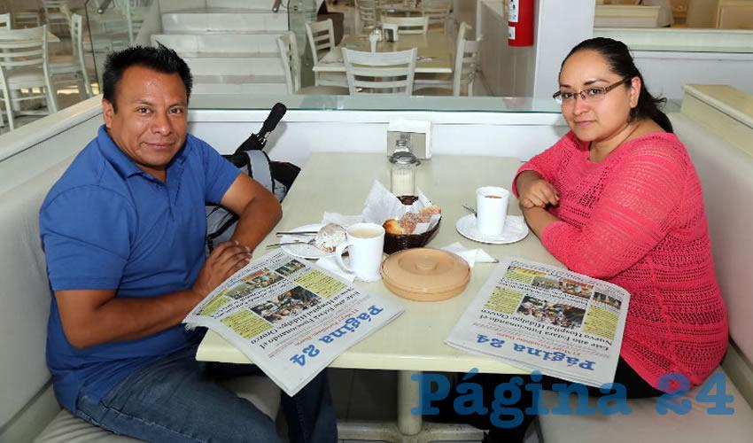 En el restaurante Del Centro almorzaron Víctor Galicia Guevara y Aidee González Vieyra, que nos visita de la Ciudad de México