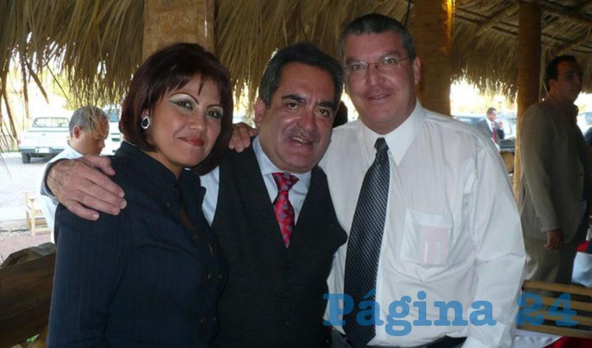 """Ma. del Refugio Martínez, Carlos Lozano y Rodolfo Franco ...ni a cuál irle: """"Dios los cría y ellos se juntan""""..."""