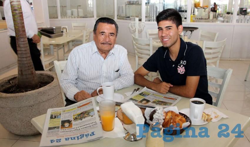 En el restaurante Del Centro tomaron sus primeros alimentos el arquitecto Francisco Cerrillo Salas y su hijo Osvaldo Cerrillo Quiñones