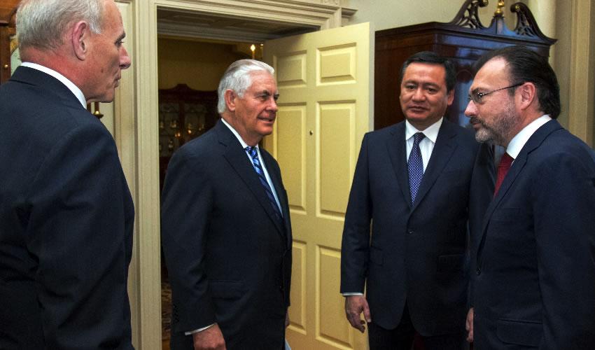 Washington, EU.- Luis Videgaray y Miguel Ángel Osorio Chong se reunieron con los secretarios Rex Tillerson y John Kelly (Foto: SRE)