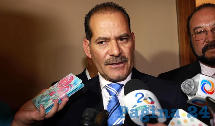 """Martín Orozco Sandoval ...""""bien vestido y serio""""..."""