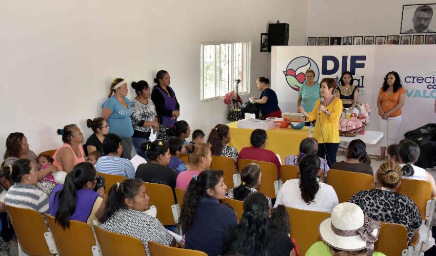 Con el trabajo del Voluntariado del DIF Estatal, se ha logrado una cobertura de atención a 2 mil 500 familias