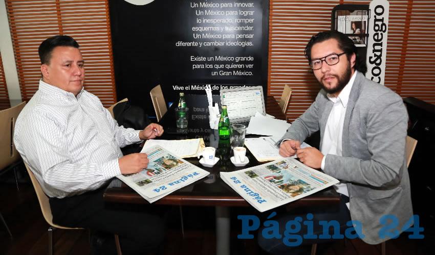 En Café Punta del Cielo departieron Octavio Higuera Durán y Gustavo Gutiérrez de la Torre