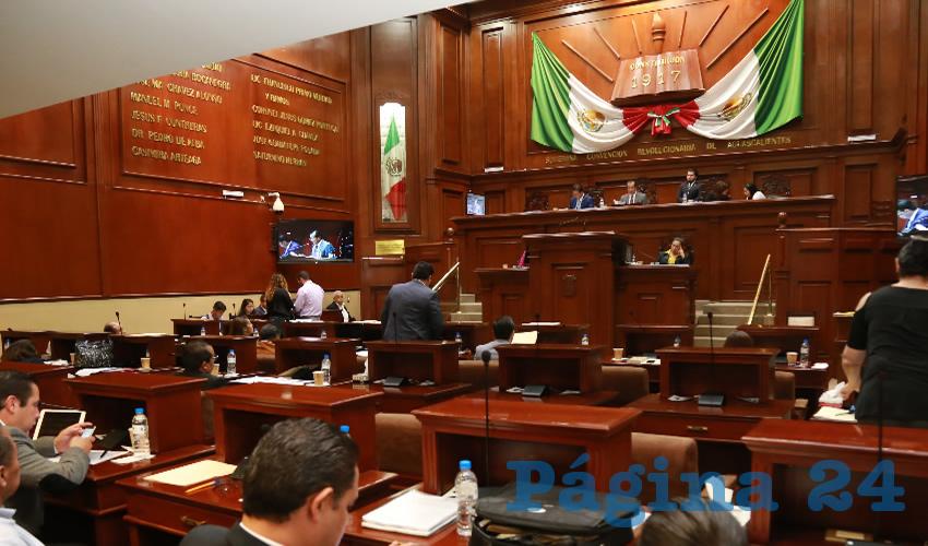 Congreso del Estado (Fotos: Eddylberto Luévano Santillán)