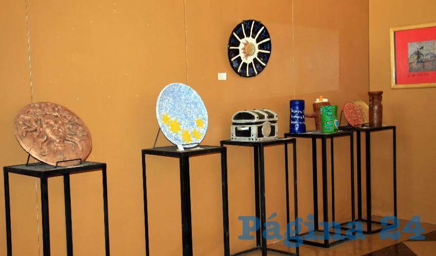 Estas obras, son parte del Taller de Fotografía del Programa Transversal de Creación y Difusión Artística de la Unidad Académica de Artes de la UAZ así como de los talleres de danza, música, y creaciones artesanales (Foto: Rocío Castro Alvarado)