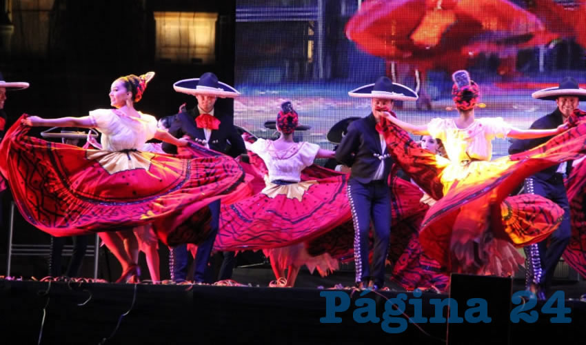 La agrupación más representativa del folclor mexicano actuó en el foro principal del Festival del Folclor Internacional 2017