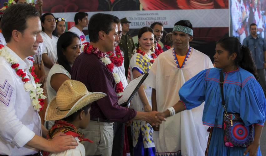 Chiapa de Corzo, Chiapas.- El presidente Enrique Peña Nieto encabezó la conmemoración del Día Internacional de los Pueblos Indígenas (Foto: Presidencia)