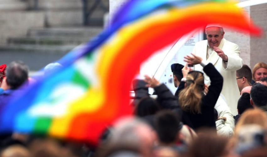 """""""No esperábamos una respuesta. Recibir una carta de El Vaticano, con sello y fotografía autografiada del Papa ¡es la gloria!"""" (Foto: Cortesía)"""
