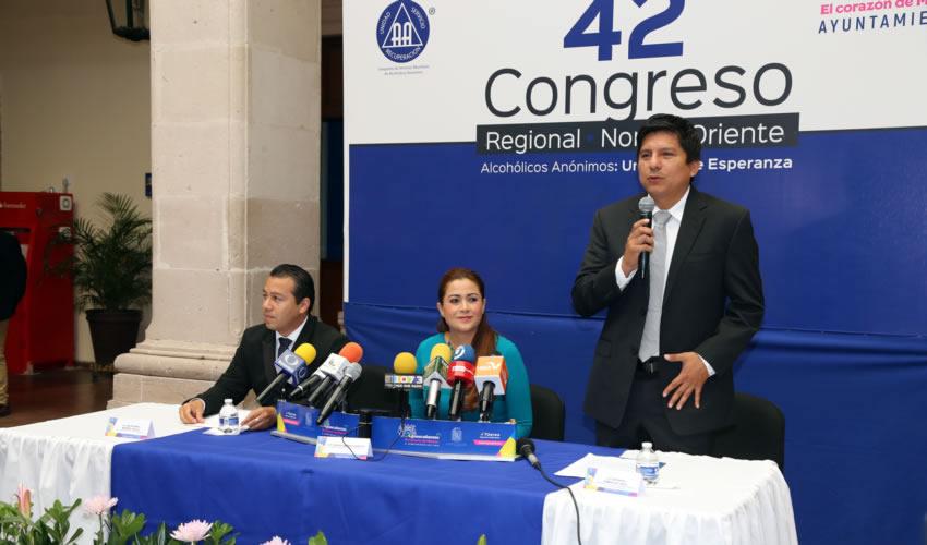 La alcaldesa de Aguascalientes, Tere Jiménez, reiteró el respaldo para fomentar acciones de combate al problema del alcoholismo